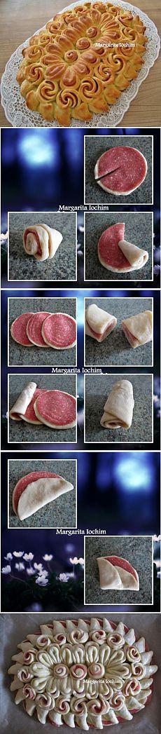 Mit fertigem Pizzateig, Salami, etwas Tomatensoße und Käse, werde ich das auch mal probieren.