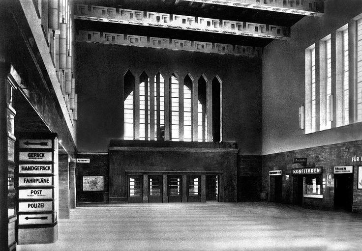 Koenigsberger Hauptbahnhof innenansicht in den 30ern