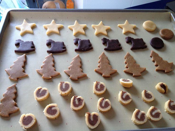 Hacer una masa de galletas de jengibre y chocolate, puede ahorrarte la decoración, mira qué bonitas
