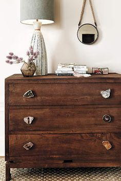 Drawers with mixed sliced geode knobs