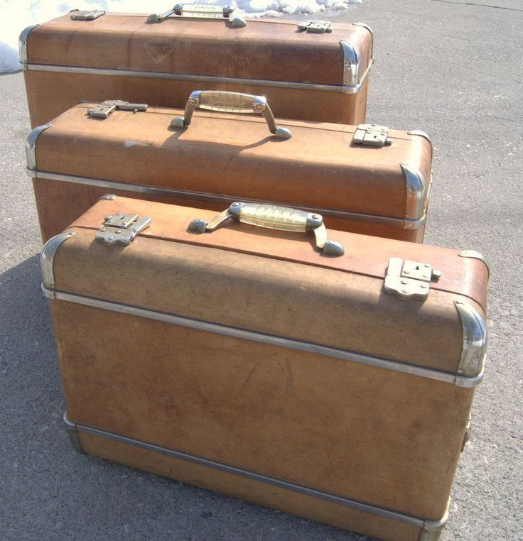 3 vintage wheary luggage suitcase set lucite handle art. Black Bedroom Furniture Sets. Home Design Ideas