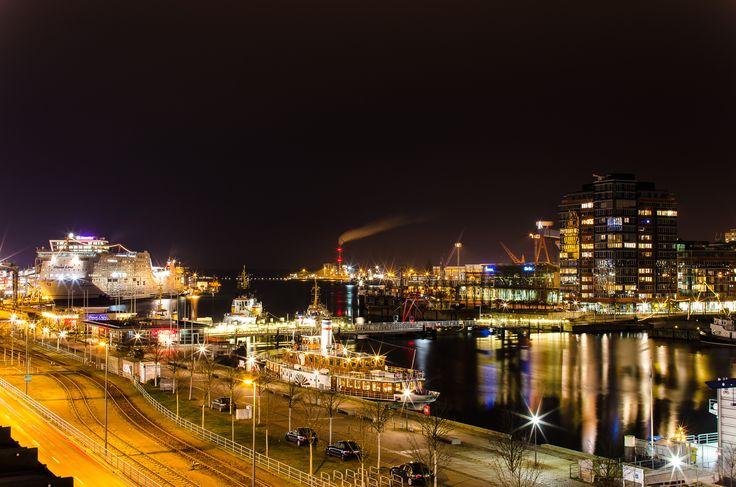 Kiel at night by Jens Krüßmann on 500px