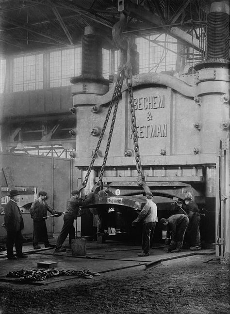 Krupp's Essen, Germany, steelworks' 10,000 ton bending press. The Krupp had a near monopoly in heavy arms manufacture in Germany. Ca. 1910.