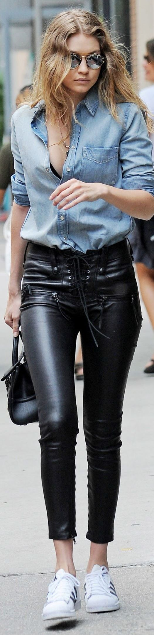 trendy look | denim shirt + bag + leather skinnies + sneakers