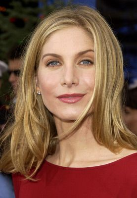 Elizabeth Mitchell Photos Including Production Stills Premiere Photos And Other Event Photos Publicity Phot Elizabeth Mitchell Elizabeth Beautiful Actresses