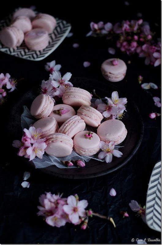 Strawberry ganache macarons