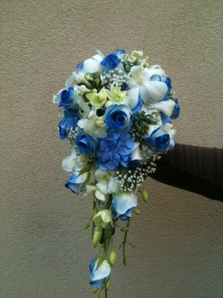 wedding / bridal bouquet, blue roses