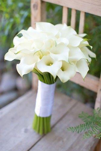 Weißer Blumenstrauß zur Hochzeit - einfach und doch besonders!