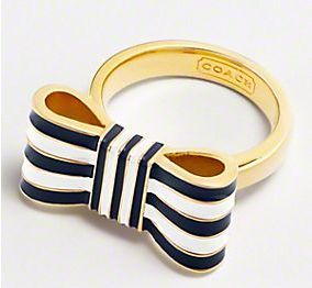 striped bow ring. ah so cute: Style, Coach Ring, Coach Bow, Bows, Jewelry, Bow Rings, Coaches