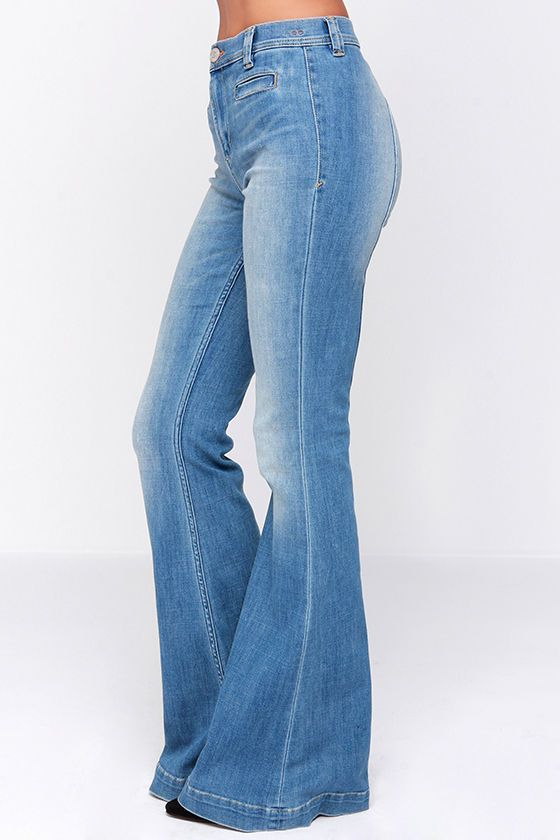 Dittos Amy Light Wash High Rise Saddleback Flare Jeans at Lulus.com!