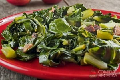 Receita de Folha de couve flor refogada em receitas de legumes e verduras, veja essa e outras receitas aqui!