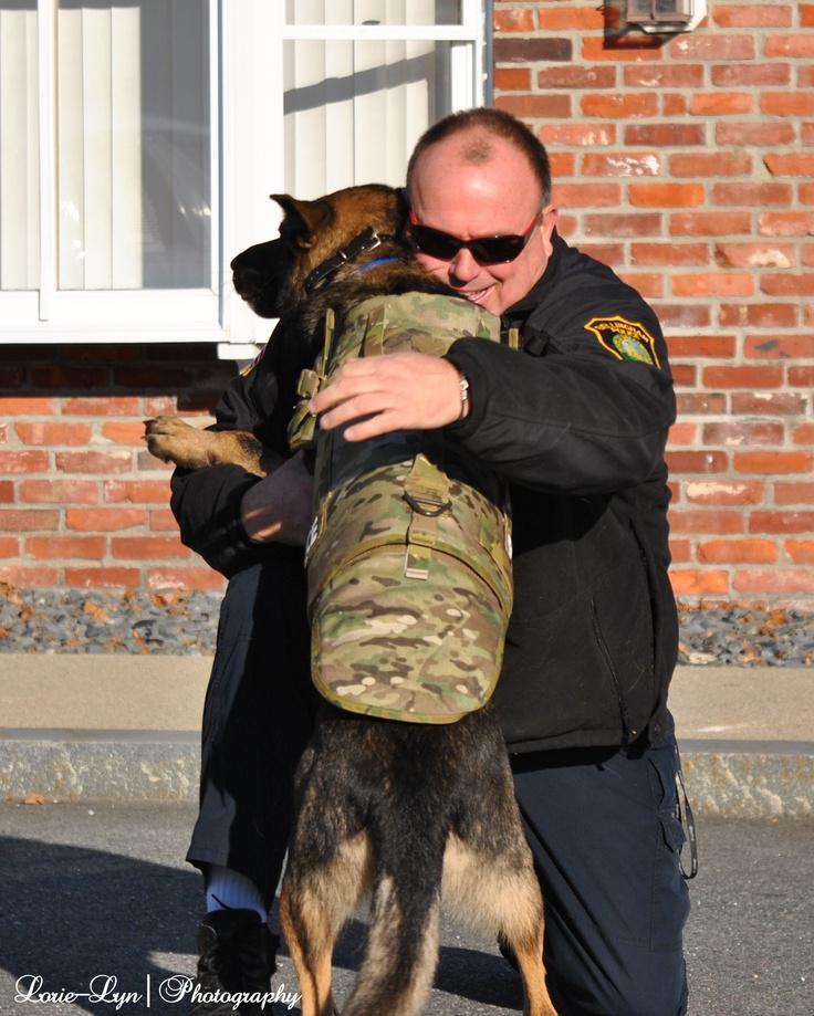 Good work...time for a hug now: To 9, Animal Heroes, Work Tim, Hug, Dogs Heroes, Pets Animal, German Shepherd, Gsds, Work Dogs