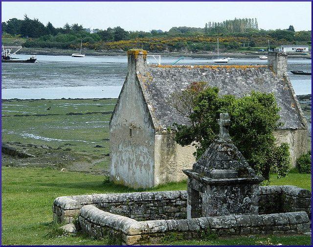 Photo : Bretagne, France, Monuments, Lieux de culte, Chapelles, Locmariaquer. Toutes les photos de michel guenanten sur L'Internaute