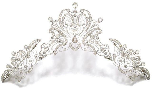 Diamond tiara c1910. A gift to Contessa Heleda Castrignano Pecci on the occasion of her marriage to Conte Giovanni Battista Pecci, General of the Noble Vatican Guard and the Grand Nephew of Pope Leo XIII.