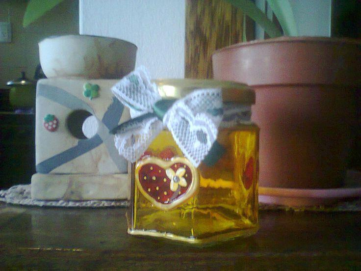 frasco pintado con laca vitral y acrílico