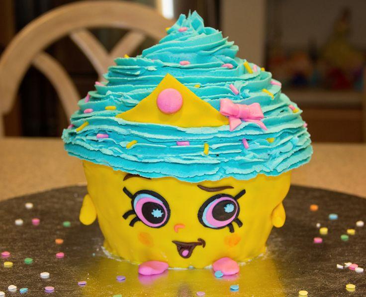 """Shopkins """"Cupcake Queen"""" cake"""