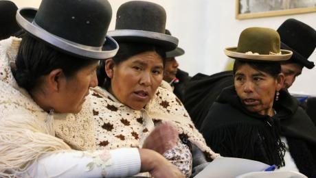 Peru - Según su evaluación, se elegirán a 33 postulantes para que participen en el curso, donde se capacitarán a traductores e intérpretes de las lenguas aimara ashaninka, harakbut, kakinte, nahua, matsigenka, nanti, quechua, yanesha, yine, kandozi, amahuaca, chamicuro, shiwilu, achuar, urarina, ese eja, arabela y awajún.