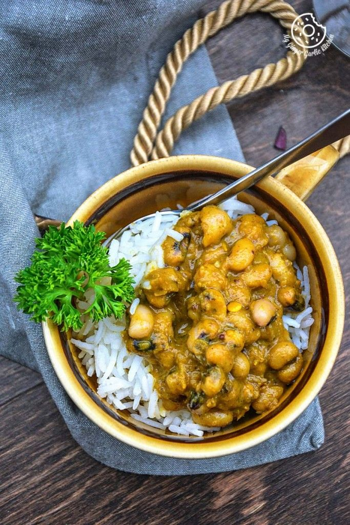 Classic Black Eyed Pea Curry In Pepper Onion Gravy