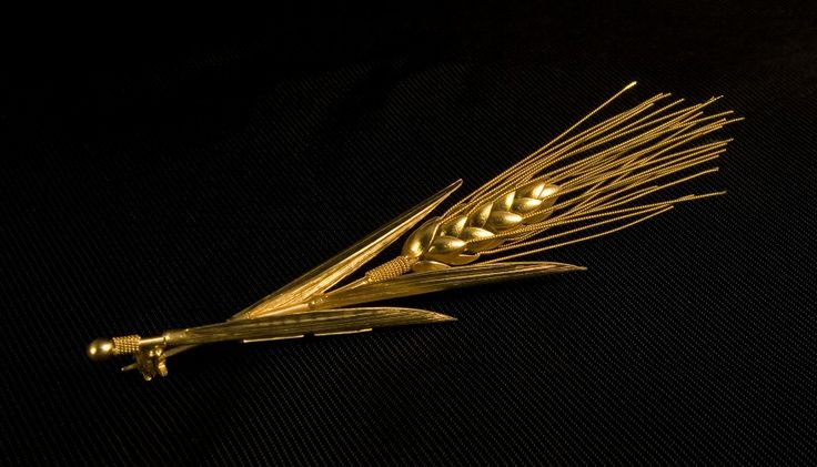 Handmade K22 Gold Wheat Brooch.