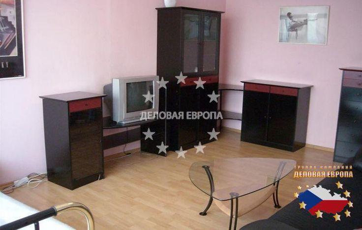 НЕДВИЖИМОСТЬ В ЧЕХИИ: продажа квартиры 1+1, Прага 3, цена 99 000 € http://portal-eu.ru/kvartiry/1-komn/1+1/realty553/  Предлагается на продажу квартира 1+1 площадью 33 кв.м в районе Прага 3 – Жижков стоимостью 99 000 евро. Квартира находится на втором этаже девятиэтажного реконструированного дома с лифтом и состоит из гостиной, отдельной кухни, прихожей и ванной комнаты с ванной и туалетом. На полах ламинат и плитка. Квартира была частично реконструирована – кухня в хорошем состоянии, плита…