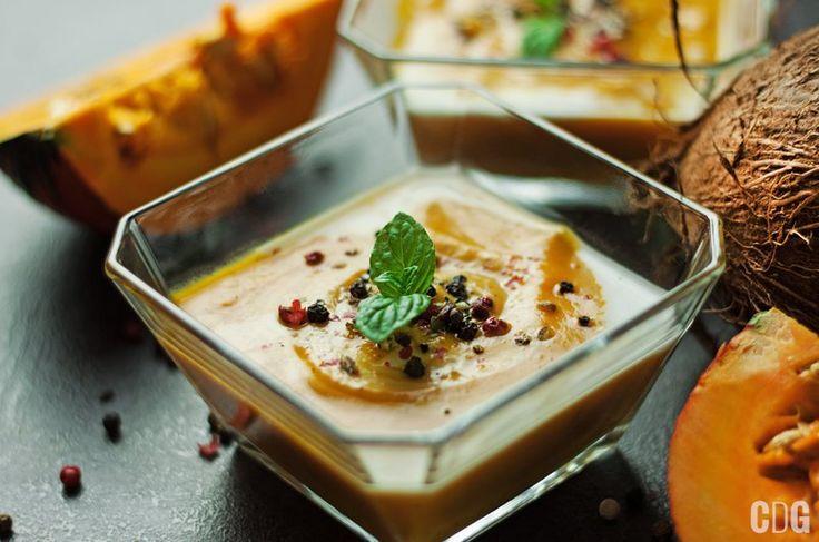 Krem z dyni z mlekiem kokosowym | Creamy Pumpkin Soup with Coconut Milk