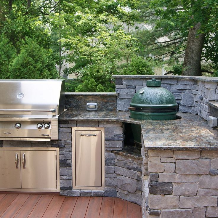 L Shaped Outdoor Kitchen With Green Egg - http://shop.firepittable.org/