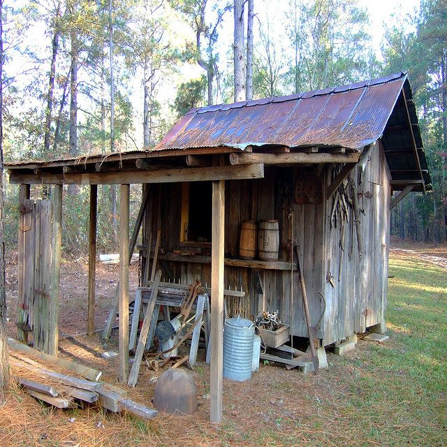 rustic garden/tool shed  Pinned from PinTo for iPad 