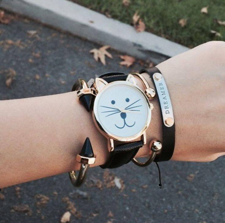 #montres #montresfemme #montrestendance #montresfantaisie #idéecadeaufemme #womenwatch #watch #relojes