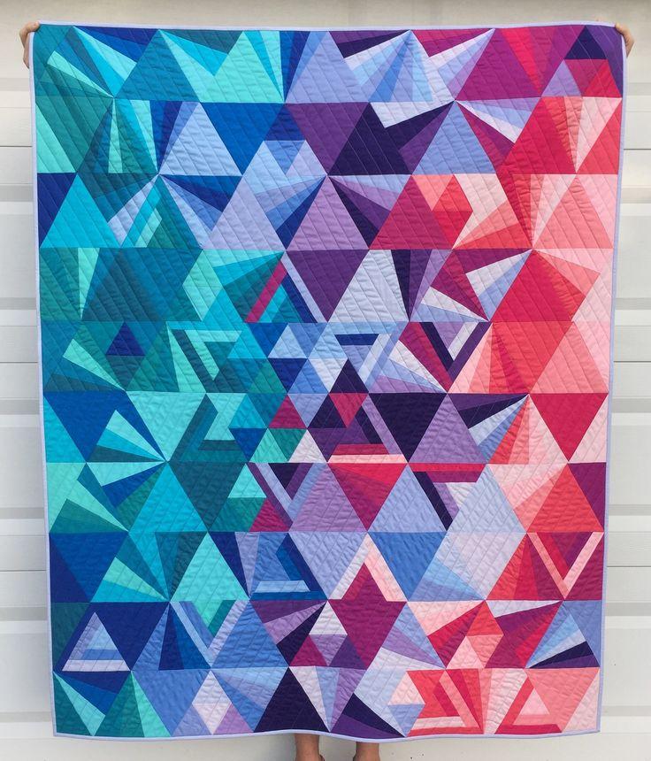 25+ Best Ideas about Geometric Quilt on Pinterest Modern quilt patterns, Patchwork quilt ...