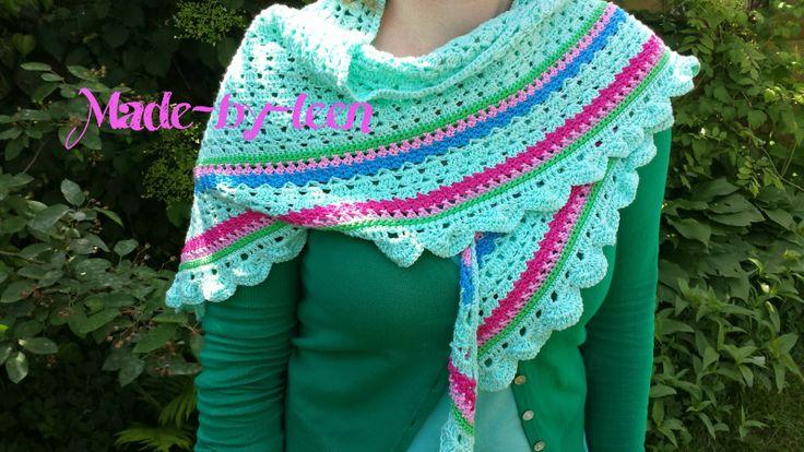 Haken ♥ Made-by-leen: Pattern april flower shawl / Patroon april flower omslagdoek