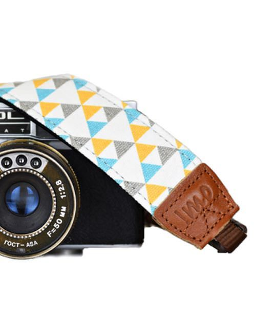 Wenn Du die großen Markennamen auf dem Kameragurt gegen ein edles Muster tauschen möchtest ist dies genau der richtige Kameragurt für Dich! Der extrem bequeme Kameragurt mit weicher Neopren-Unterseite...