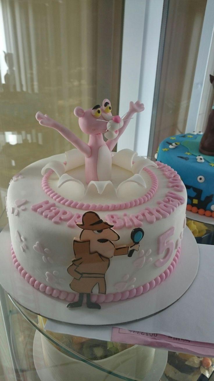 Pink pantera cake