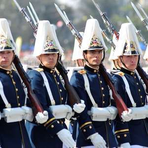FFAA y Carabineros realizan Parada Militar 2014 en ...