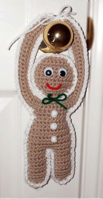 http://www.crochetmemories.com/patterns/i/gingerbreadmanhanger.jpg