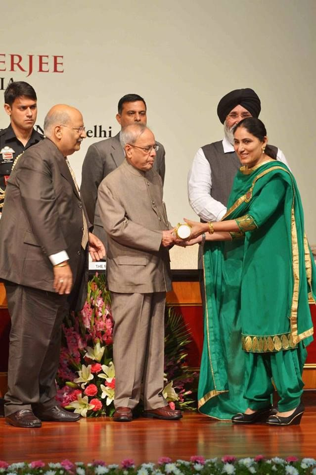 During this occasion Punjab Education Minister Dr. Daljit Singh Cheema, and Rural Development and Panchayat, Minister, Mr. Sikandar Singh Maluka was also present. During the award ceremony Dr. Cheema said that the award bestowed upon these teachers was the recognition of marvelous services they rendered in the field of education. #AkalisforPunjab