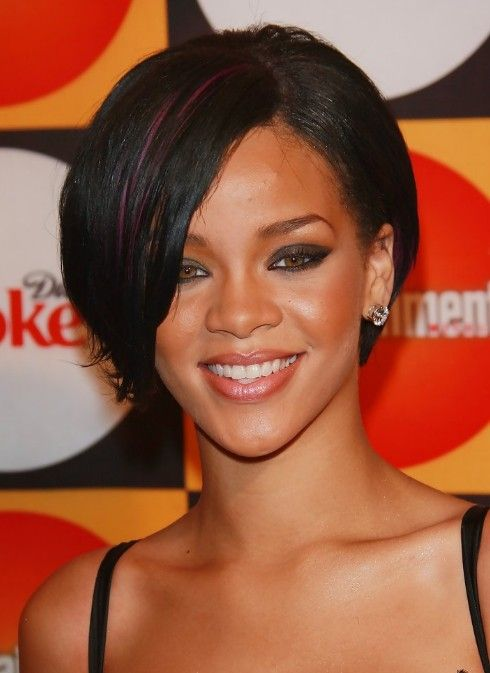 rihanna hairstyles | Celebrity Short haircut: Rihanna Short Hairstyle with Streaks