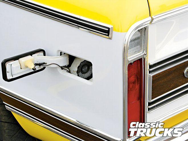 0906clt 03 Z+1972 Chevy C10+gas Door Cover