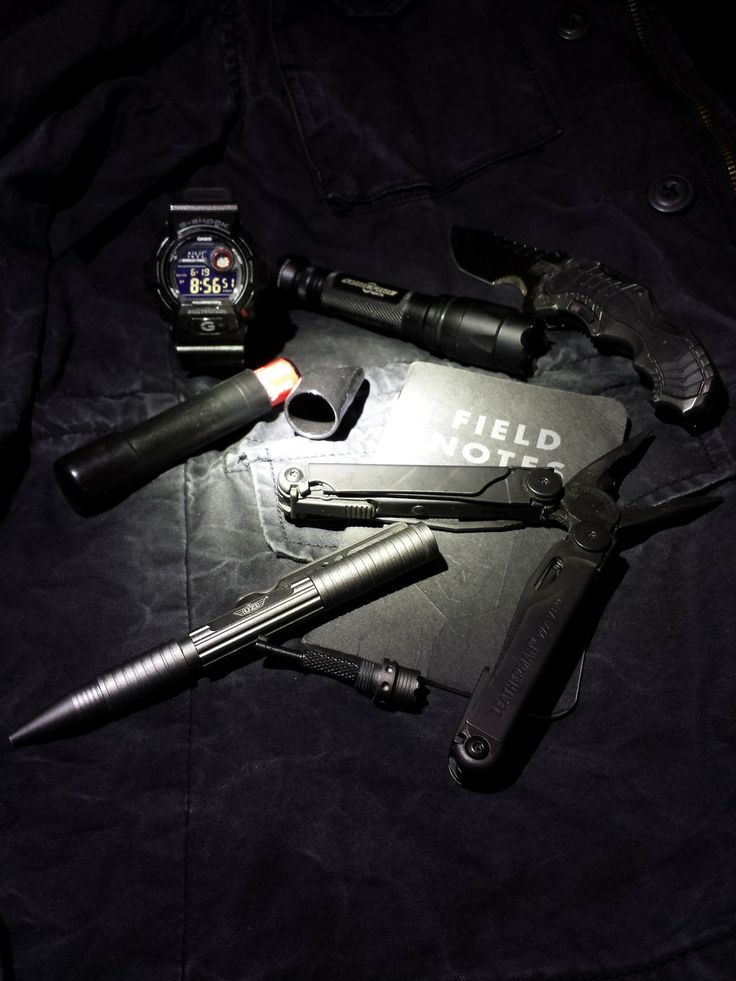 """realworldedc: G-Shock 8900-sh Surefire E2D Led (Gen. 1) ITS tactical Go-tube (holds 2xCR123a) Smith and Wesson assisted open folding knife (MP edition) Leatherman Wave Field Notes (ITS Tactical edition) UZI tactical pen w/ handcuff key I call this U.E.C """"URBAN EXPLORATION CARRY"""""""