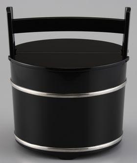 手桶型水指 黒塗り銀タガ