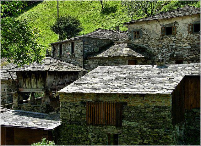 Os Teixois-Taramundi (Asturias)    Por Jose Luis Cernadas Iglesias