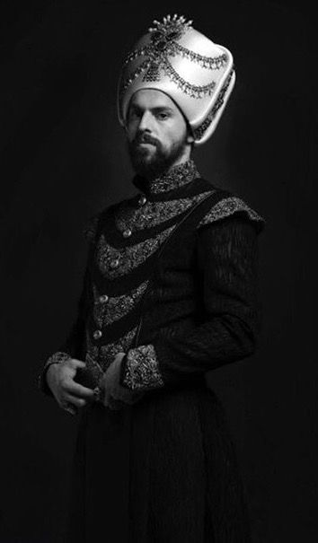 Sultan Murad IV act by Metin Akdülger