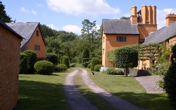 The house and granary at Allt-y-bela