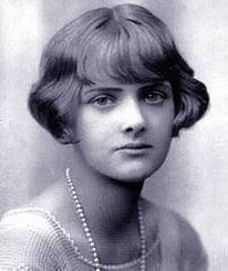 Daphne Du Maurier (13 May 1907 – 19 April 1989)