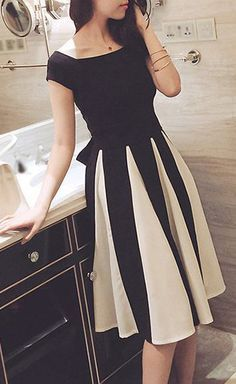 Color Block Short Sleeve Fit and Flare Dress
