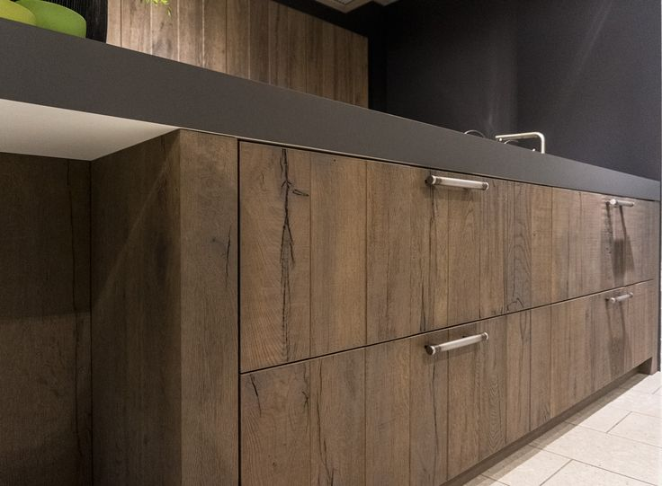 Badkamer Raam Gordijnen ~ Dit ziet er uit als een massief houten keuken maar is het niet! Hout