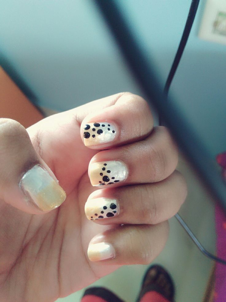 Polka dots with pearl and gold ombre
