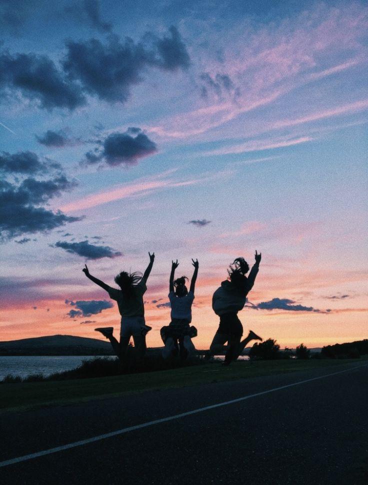 #besties #bestfriends #skies #sky #sunset #views  – Lara Mendes