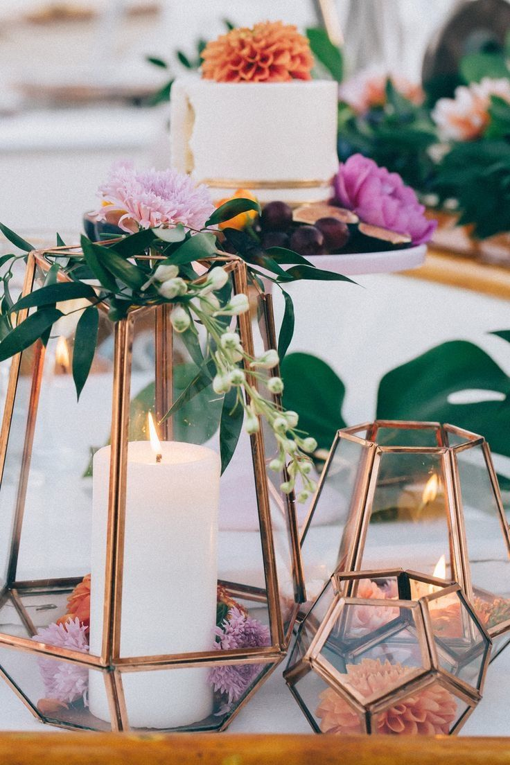 Round out your wedding colors with this timeless metallic hue.
