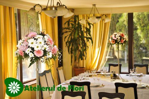 Flori pentru sala la nunta alb roz