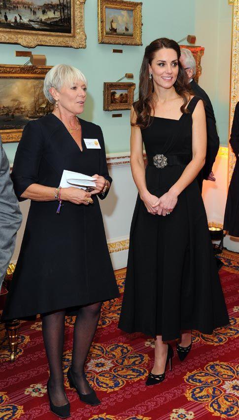 Las lágrimas de una madre arrancan un sentido abrazo a la Duquesa de Cambridge en los Premios Place2Be: 'Tenía que hacer eso como madre' - Foto 3